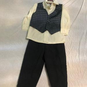 Infant Boy 3 Piece Suit Size 6-9 Months